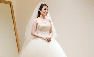 MC Thành Trung chi 200 triệu đồng để mua một chiếc váy cưới cho vợ 2