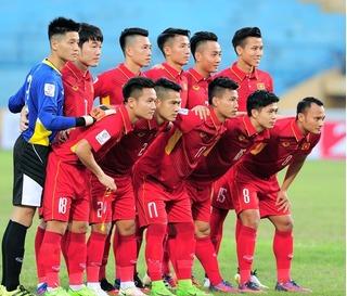 Hữu Thắng nhận quà từ Tajikistan, Bình Dương hợp tác với bóng đá Nhật Bản