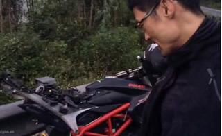 Jonny Trí Nguyễn gặp tai nạn, mô tô 400 triệu đồng vỡ tan nát