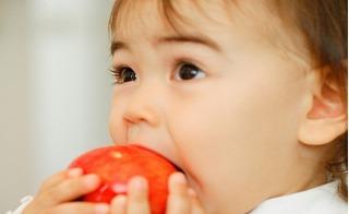 8 thực phẩm cho con ăn khi đói có thể ảnh hưởng xấu tới sức khỏe, mẹ phải lưu ý