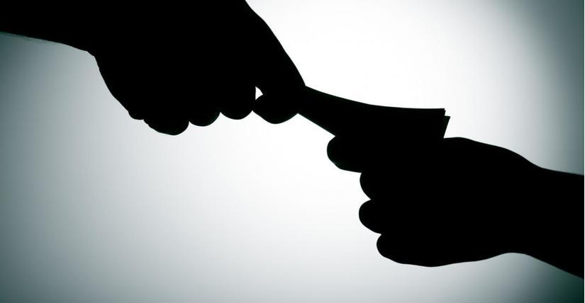 Phóng viên báo Kinh doanh & Pháp luật bị bắt