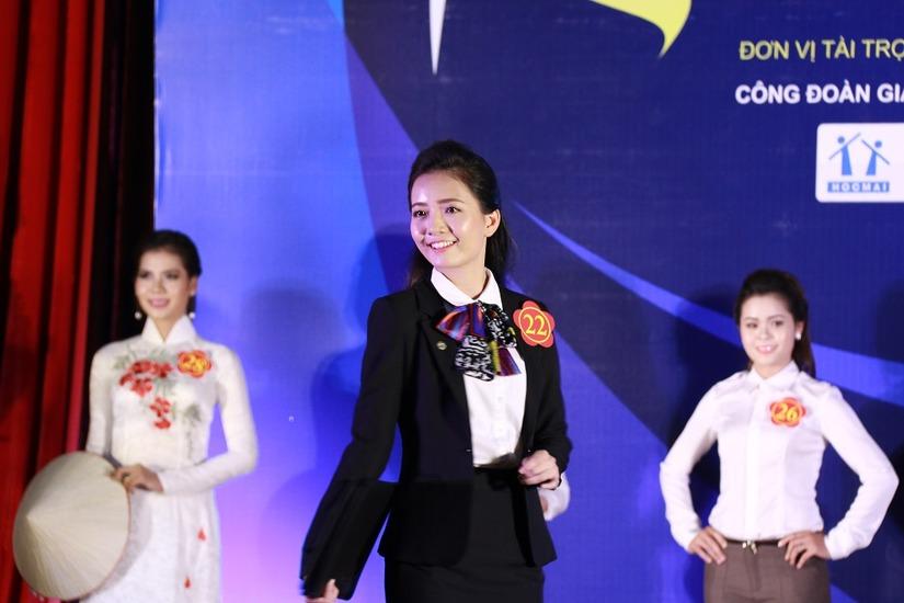 Cô giáo Phan Hồng Anh 3