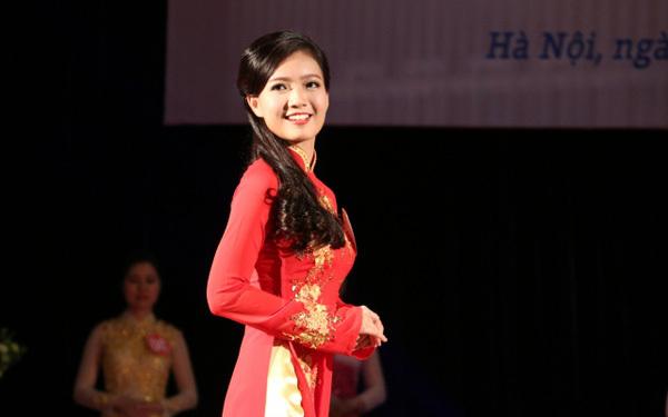 Cô giáo Phan Hồng Anh 13