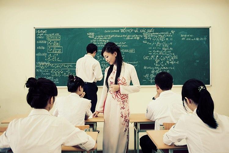 Cô giáo Phan Hồng Anh 16