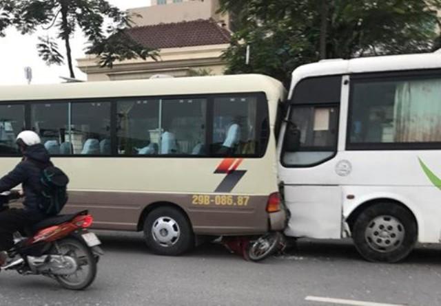 Xe tang lễ gây tai nạn liên hoàn 1