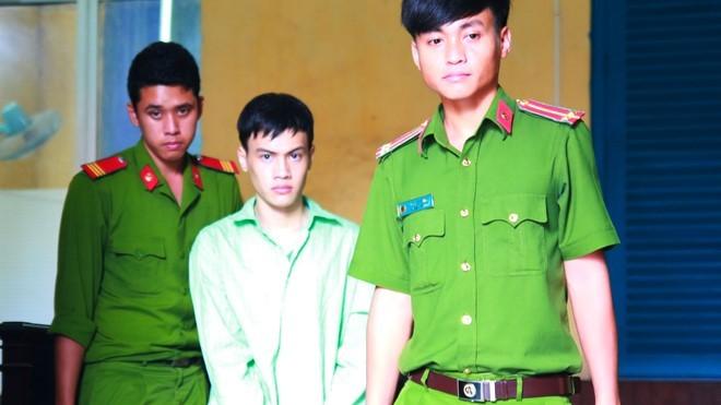 Nguyễn Văn Lực phải chịu mức án 4 năm tù giam vì tội Hiếp dâm trẻ em