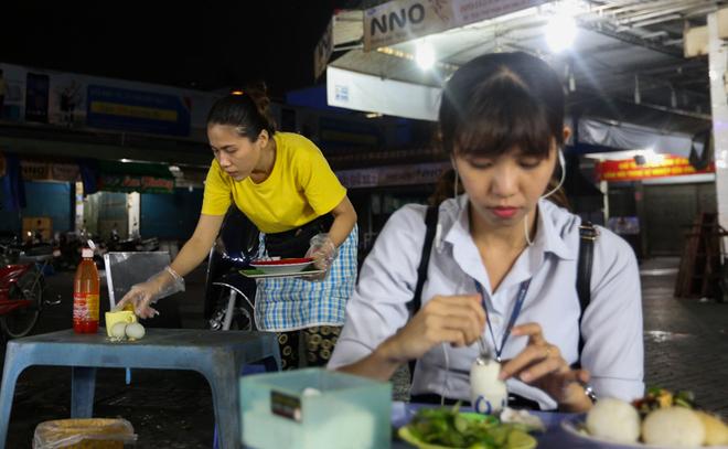 Quán ăn vỉa hè tại quận Tân Bình