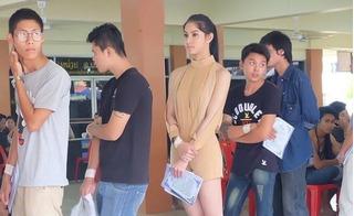 Sắc vóc nuột nà của hoa hậu chuyển giới Thái Lan khi đi khám nghĩa vụ quân sự