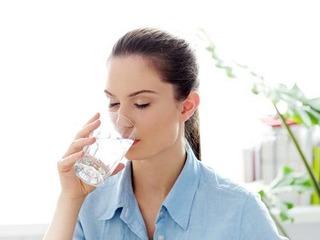 Một cốc nước nhỏ buổi sáng đánh bay 21 bệnh tật, bạn có dám thử?