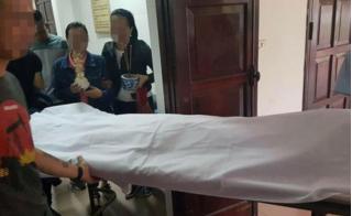 Bố ôm con gái 20 tháng tuổi tránh mưa dao của côn đồ, tử vong trên đường đi cấp cứu