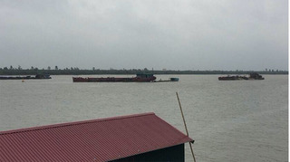 Bí thư Tỉnh ủy Hà Nam phục bắt trộm cát tặc