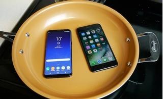 Tiếc đứt ruột trước những màn tra tấn iPhone 7 Plus và Samsung Galaxy S8 Plus