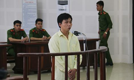 Đối tượng cắt cổ em trai, hiếp dâm chị gái trước tòa