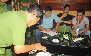 """Nhiều """"đàn anh"""" Sài Gòn sa lưới trong quán karaoke """"hoành tráng"""" ở miền Tây"""
