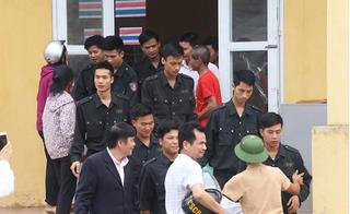 Người dân Đồng Tâm thả cán bộ, cảnh sát cơ động