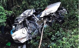 Ám ảnh hiện trường vụ tàu hỏa tông ô tô Innova văng xa 50 mét, 4 người tử vong