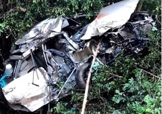 Video hiện trường thảm khốc của vụ tàu hỏa đâm ô tô ở Bình Định