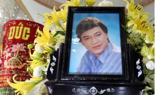 Đám tang nghệ sĩ Thanh Sang: Nước mắt tiễn đưa trong cơn mưa