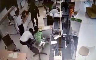 Camera trích xuất được hình ảnh gì trong vụ cướp ngân hàng ở Trà Vinh?