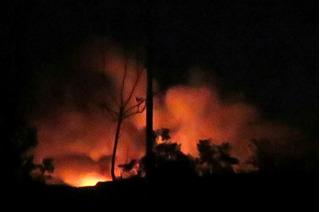 Máy bay chiến đấu Israel dội bão lửa khiến sân bay Syria tan tành mây khói?