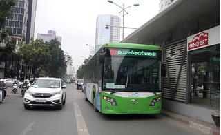 Hà Nội cho xe buýt thường và các loại xe ưu tiên chạy vào làn đường dành cho BRT