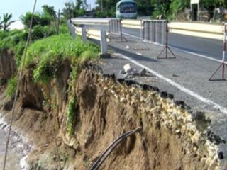 Sau An Giang, Đồng Tháp tiếp tục ban bố khẩn cấp tình trạng sạt lở nghiêm trọng bên sông Tiền