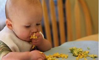 Thực phẩm cấm cho con ăn chung với trứng gà để tăng trí thông minh và tránh bị ngộ độc