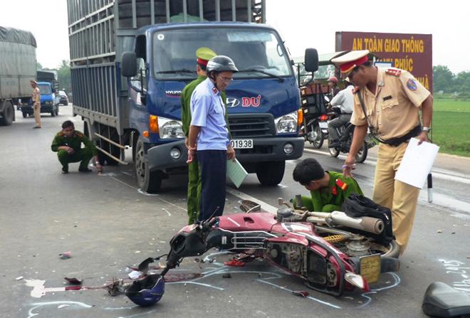 tai nạn giao thông ngày lễ 1