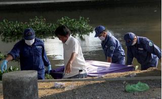 Thi thể một người đàn ông nổi trên sông Sài Gòn