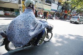 1001 cách chống nắng kinh dị của chị em khiến nhiều người đi đường té ngửa
