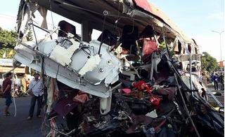 Tai nạn kinh hoàng ở Gia Lai khiến 10 người tử vong tại chỗ