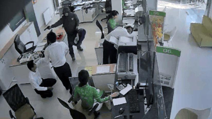 cướp ngân hàng Vietcombank 3