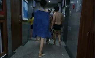Paparazzi: Trường Giang lần đầu lộ thân hình