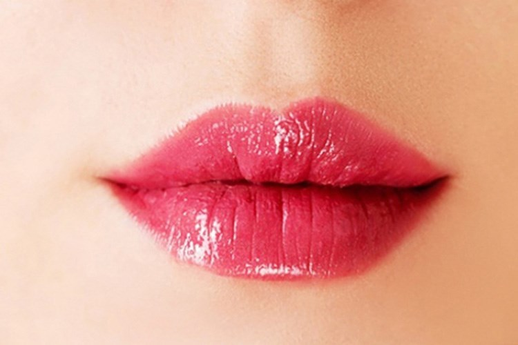 Phụ nữ có tướng môi nhỏ, căng mọng giàu lòng chắc ẩn và tốt bụng. Ảnh minh họa: Khoeplus24h