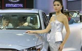 Sức mua ôtô bất ngờ lao dốc mạnh