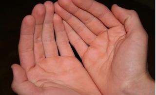 Nhìn khe hở bàn tay, biết ngay mức độ giàu sang và khả năng kiếm tiền của bạn