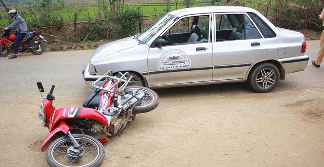 Vụ tai nạn giao thông khiến 2 vợ chồng phải nhập viện