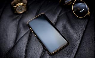 Cận cảnh Samsung Galaxy S8 mạ vàng sang chảnh đầu tiên ở Việt Nam, giá 41 triệu
