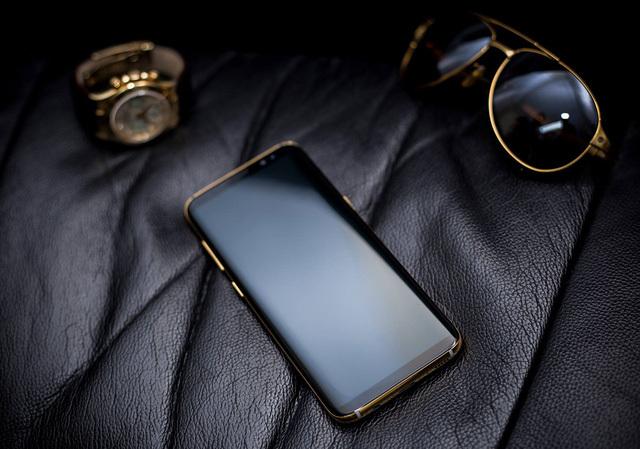 Samsung Galaxy S8 mạ vàng 5