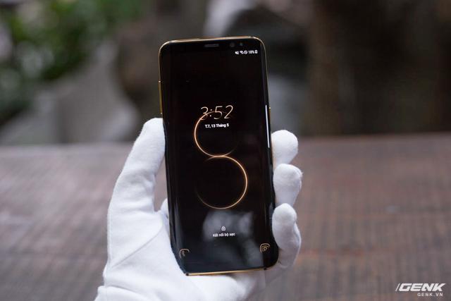 Samsung Galaxy S8 mạ vàng 14