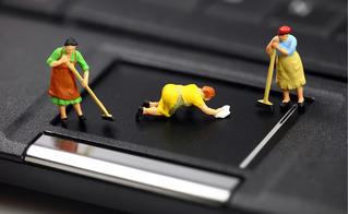 Cách vệ sinh laptop tại nhà cực nhanh mà sạch bóng chẳng kém ngoài hàng