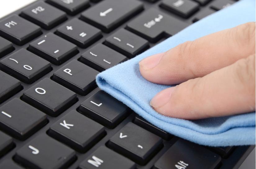 Cách vệ sinh laptop tại nhà 2