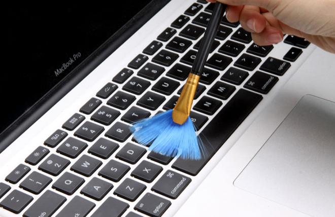 Cách vệ sinh laptop tại nhà 4
