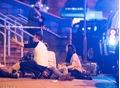 Tất cả những gì còn lại sau vụ nổ bom ở Manchester là máu me vương vãi