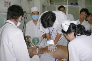 Bệnh viện Đa khoa tỉnh Hòa Bình: 18 bệnh nhân sốc phản vệ, 6 người tử vong