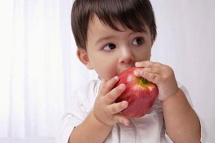 5 loại trái cây cho trẻ ăn1