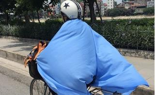 Muôn kiểu chống nóng của dân Thủ đô trong đợt nắng 40 độ