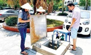 Nắng nóng 40 độ: Khốn khổ vì mất nước, cắt điện