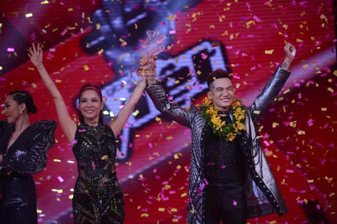 Quán quân The Voice 2017 Ali Hoàng Dương là ai 3