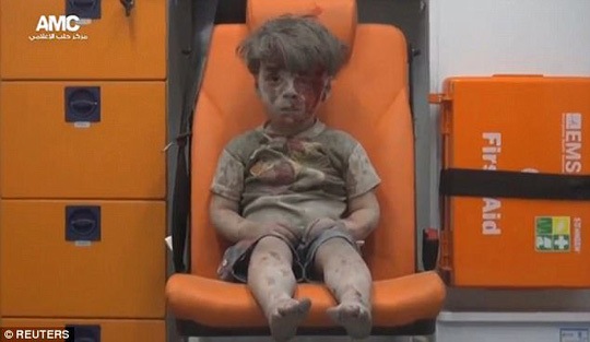 cậu bé syria